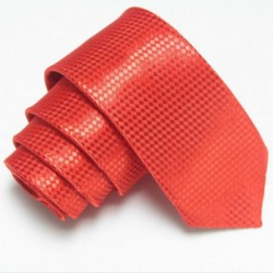 Červená úzká slim kravata se vzorem šachovnice