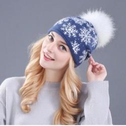 Dámská zimní čepice s norským vzorem