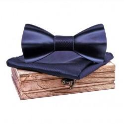 Černý dřevěný motýlek s kapesníčkem a manžetovými knoflíčky
